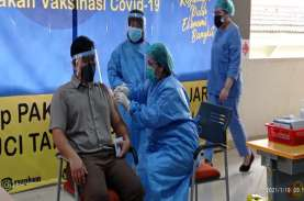 Vaksinasi Covid-19 di RSUP Haji Adam Malik Mulai Dilakukan