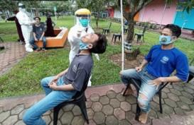 Ratusan Narapidana di Cirebon Ikuti Pemeriksaan Usap Massal