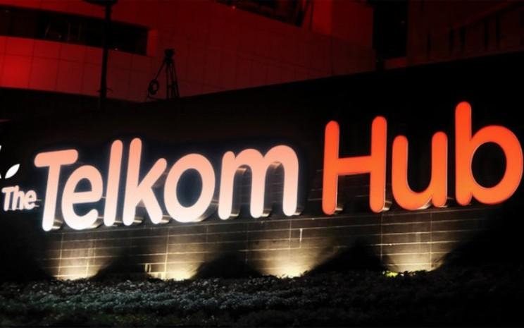 Komplek perkantoran Telkom Hub milik PT Telkom Indonesia (Persero) Tbk. di Jalan Gatot Subroto, Jakarta. - telkom