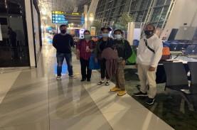 Kristen Gray Dideportasi Melalui Bandara Internasional…