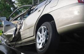 Ya Ampun, Mobil Ambulans yang Membawa Pasien Covid-19 Alami Kecelakaan