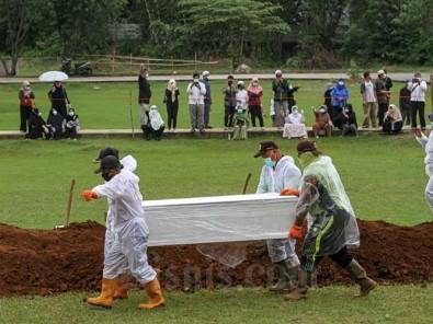 TPU Bambu Apus Mulai Digunakan Untuk Pemakaman Jenazah Covid-19