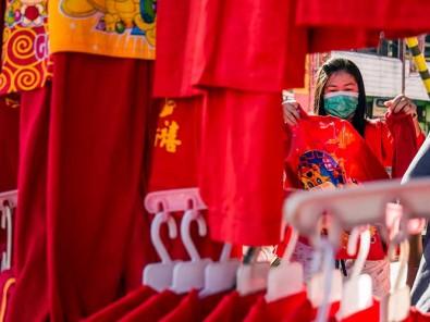 Pedagang Pernak Pernik Imlek Mulai Berjualan di Pekanbaru