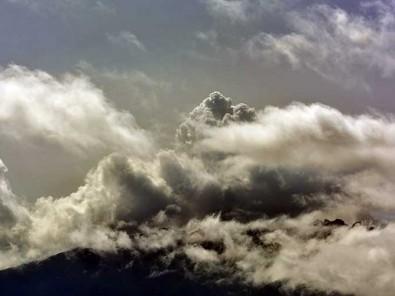 Gunung Raung di Bondowoso, Jawa Timur Masuk Status Waspada