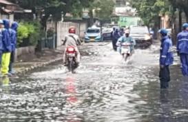 Curah Hujan Tinggi di Ibu Kota, Tujuh RT dan 15 Jalan Tergenang