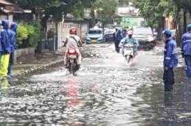 Curah Hujan Tinggi di Ibu Kota, Tujuh RT dan 15 Jalan…
