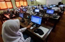 Siswa Nonmuslim Wajib Berjilbab, DPR Minta Kasus di SMKN 2 Padang Tak Terulang