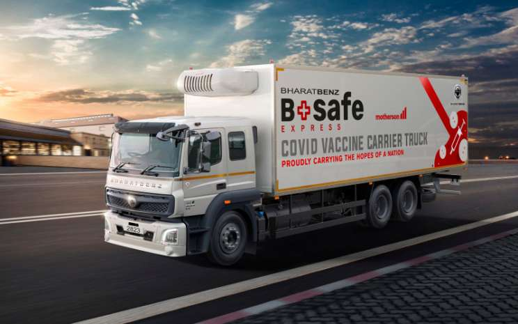 BharatBenz BSafe Express. Dipasangkan dengan platform telematika Truckonnect BharatBenz, BSafe Express menawarkan kepada distributor vaksin ketenangan pikiran mutlak dengan pelacakan waktu nyata dari kendaraan dan muatannya yang berharga.  - DAIMLER