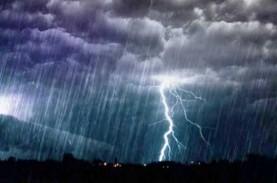 Cuaca Jakarta 26 Januari, Hujan Disertai Kilat
