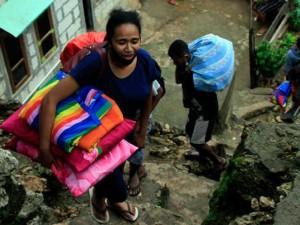 Warga di Kupang Mulai Mengungsi Akibat Rumah Mereka Diterjang Tanah Longsor