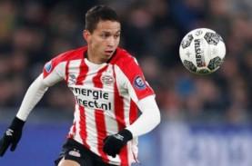 PSV Eindhoven Dekati Ajax Amsterdam di Klasemen Liga…