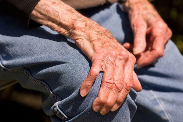 Gejala penyakit parkinson bisa dikurangi menggunakan ganja - Istimewa