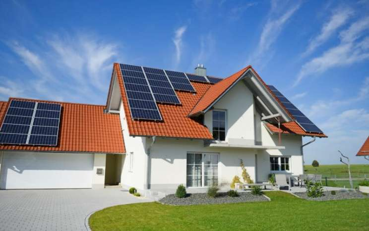 Rumah tenaga PLTS