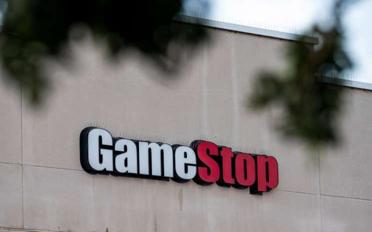 Logo GameStop. Saham peritel video game ini melonjak 135 persen ke level US347,51 pada penutupan Rabu (27/1/2021). - Bloomberg