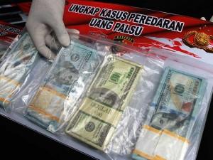 Polisi Berhasil Amankan Dollar AS Palsu Senilai Rp1,4 miliar Yang Beredar di Bandara Soekarno Hatta