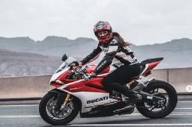 Foto-Foto Tanpa Jilbab Wanita Arab Tunggangi Ducati…