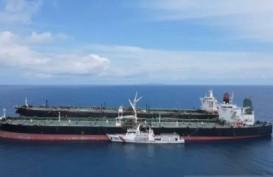Diduga Transfer BBM Ilegal, Kapal Mungil Bakamla Tak Gentar Kawal Supertanker Iran dan Panama