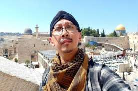 Abu Janda Diam-diam Penuhi Panggilan Penyidik Bareskrim…
