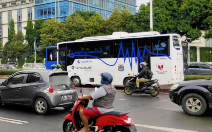 Bus Listrik INKA diuji 3 bulan di Jakarta.  - INKA