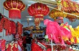 Penjualan Aksesori Imlek di Semarang Belum Semarak