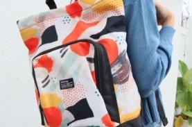 Mix and Match Gaya Harian dengan Tas Bercorak Trendi