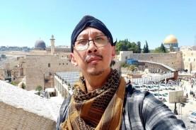 Abu Janda Pertanyakan Kapasitas KNPI Laporkan Dirinya…