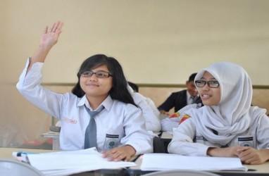 Ini Sanksi Tegas Bagi Sekolah yang Tidak Laksanakan SKB 3 Menteri Tentang Seragam