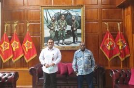 Berfoto dengan Pigai, Jubir Prabowo Tulis Soal Kritik…