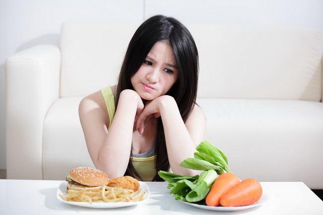 Orang yang terinfeksi virus corona (Covid-19) tidak memiliki nafsu makan karena sulit mengecap rasa makanan. - ilustrasi