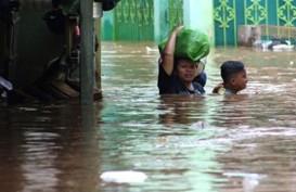 INFO BANJIR JAKARTA: Tinggi Air di Kampung Pulo Seatap Rumah