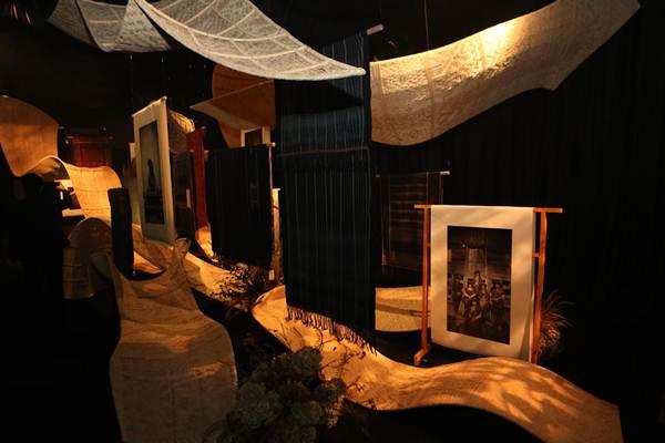 Suasana salah satu instalasi dalam Pameran Ulos, Hangoluan & Tondi di Museum Tekstil, Jakarta 20 Sept - 7 Oktober 2018 - istimewa