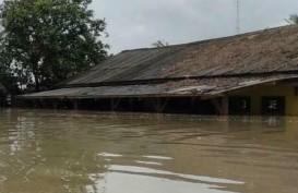Banjir yang Mengepung Karawang Akibat Luapan Tiga Sungai Besar
