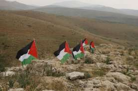 Menlu Retno Dorong Negosiasi Perdamaian Palestina…