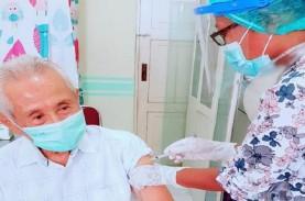 Berusia 80 Tahun, Ini Dokter Tertua Disuntik Vaksin…