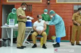 Bangka BelitungVaksinasi 14.000 Tenaga Kesehatan