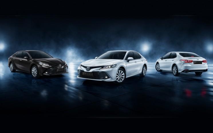 Toyota Camry.  - Toyota Astra Motor