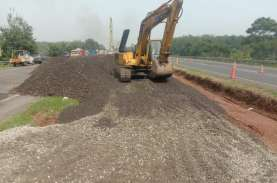 Pembuatan Jalan Sementara di Tol Cipali KM 122 Masuki…