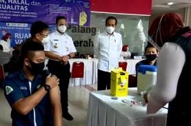 Vaksinasi di Pasar Tanah Abang, Anies: Target 1.500…