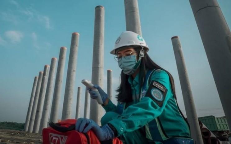 Aktivitas konstruksi di proyek jalan tol Semarang-Demak, proyek jalan tol yang sebagian besar sahamnya dimiliki oleh PT PP (Persero) Tbk. - Instagram @tol_semarang_demak