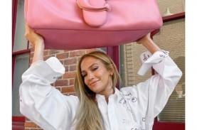 Coach Luncurkan Pillow Tabby Bag dengan Bahan Kulit…