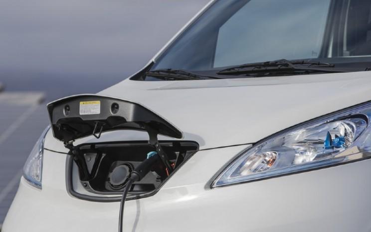 Van all-electric generasi berikutnya akan melanjutkan kesuksesan Nissan e-NV200, yang merupakan kendaraan komersial all-electric pertama untuk pasar massal saat diluncurkan pada 2014.  - Nissan
