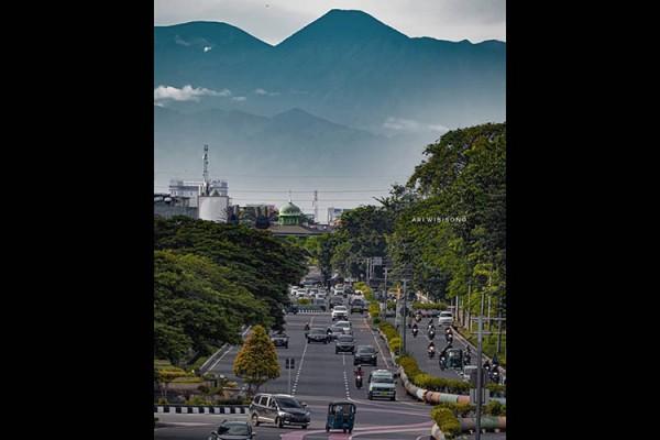 Heboh! Gunung Gede Pangrango Terlihat dari Kemayoran, Ini Respons Wagub DKI
