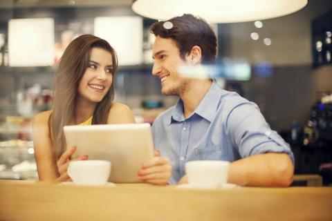 Saat kencan, pria senang membicarakan hal-hal yang disukainya - Forbes
