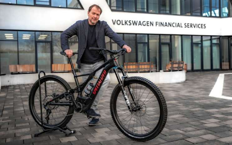 Lars Henner Santelmann, CEO of Volkswagen Financial Services AG.  - Volkswagen