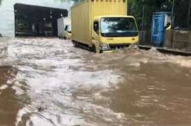 INFO BANJIR JAKARTA: Lalu Lintas di Cawang Dialihkan