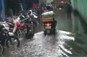 Hujan Lima Jam Picu Banjir di Bekasi, Air Masuk Rumah…