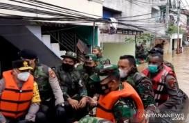 Hunian Terendam Banjir 4 Meter, 300 KK Cipinang Melayu Dievakuasi