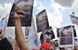 Membongkar PP Pesangon, Outsourcing & PKWT UU Cipta Kerja. Hak Pensiun Berkurang?