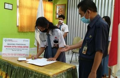 Yayasan AHM Beri Beasiswa Pembelajaran Jarak Jauh