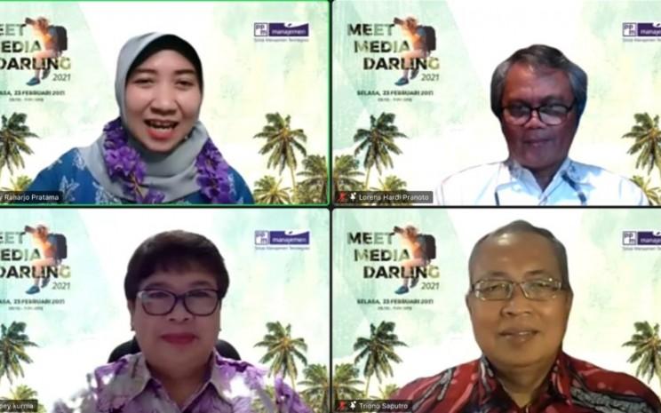 PPM Manajemen membuat forum diskusi online. - tangkapan layar